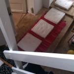 Motorikbane del 2 med hop fra pude til pude og herefter op ad trappen med så lange skridt som muligt